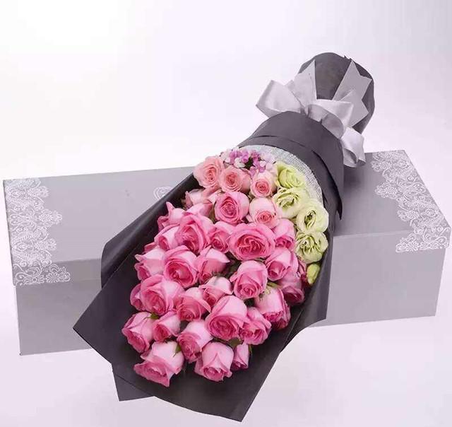 36朵玫瑰花束礼盒